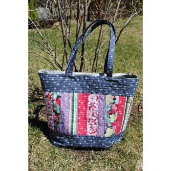 Mary Elizabeth Tote Bag pattern by Sweet Jane's