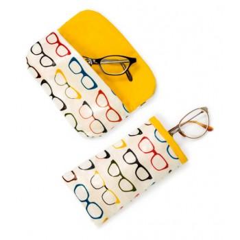 FREE Robert Kaufman Glasses Case Pattern